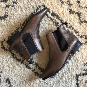 NWOT Boemos Leather Chelsea Boots